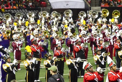 Eight HBCU marching bands perform in Honda Battle of the Bands Invitational Showcase.