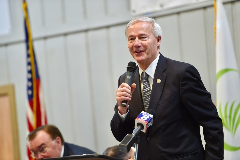 Arkansas Governor Asa Hutchinson announces Conifex's commitment of $80 million to modernize and re-start sawmill in El Dorado, AR, creating 120 new, full-time jobs.