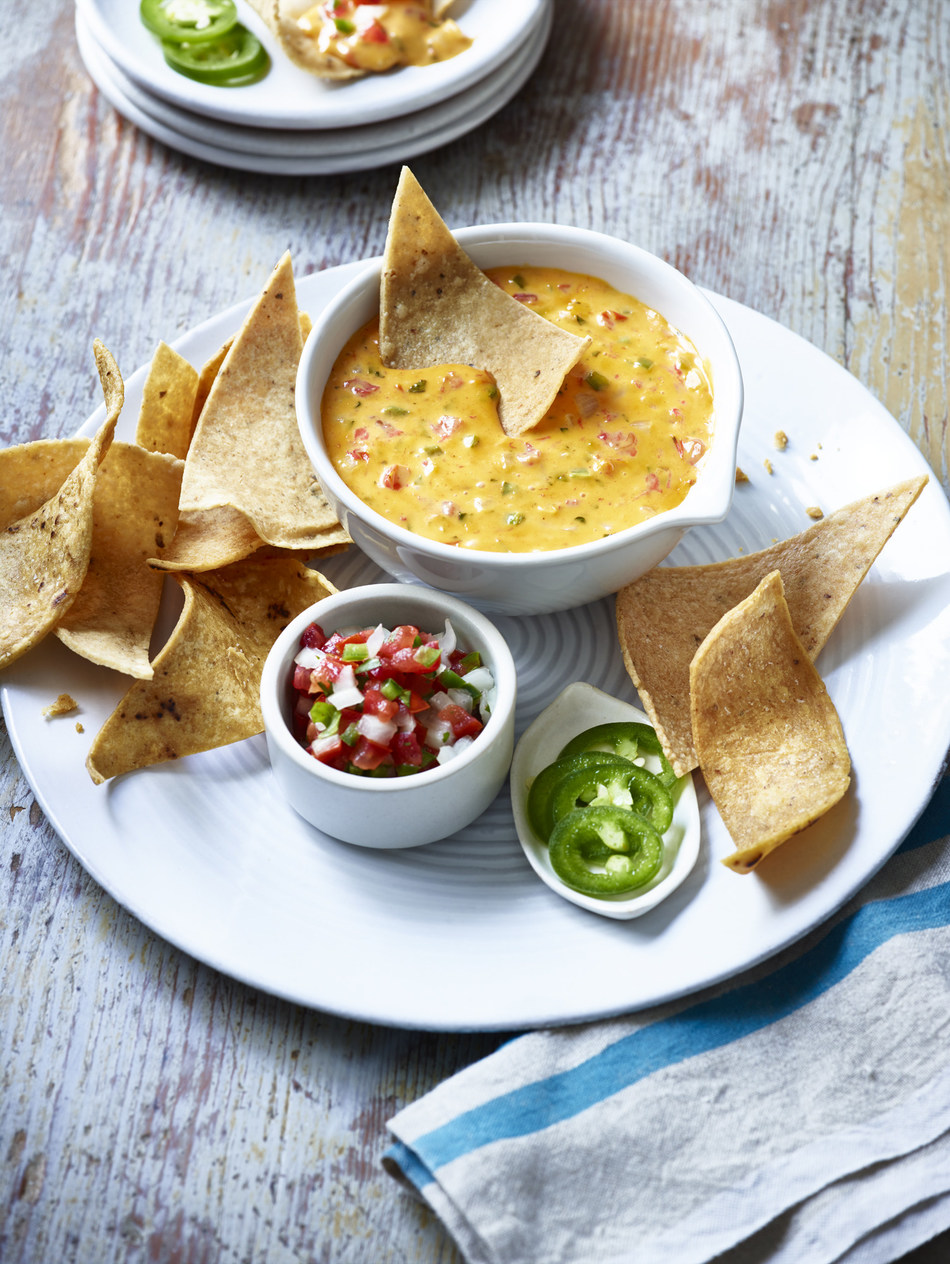 Cheezy Queso Dip