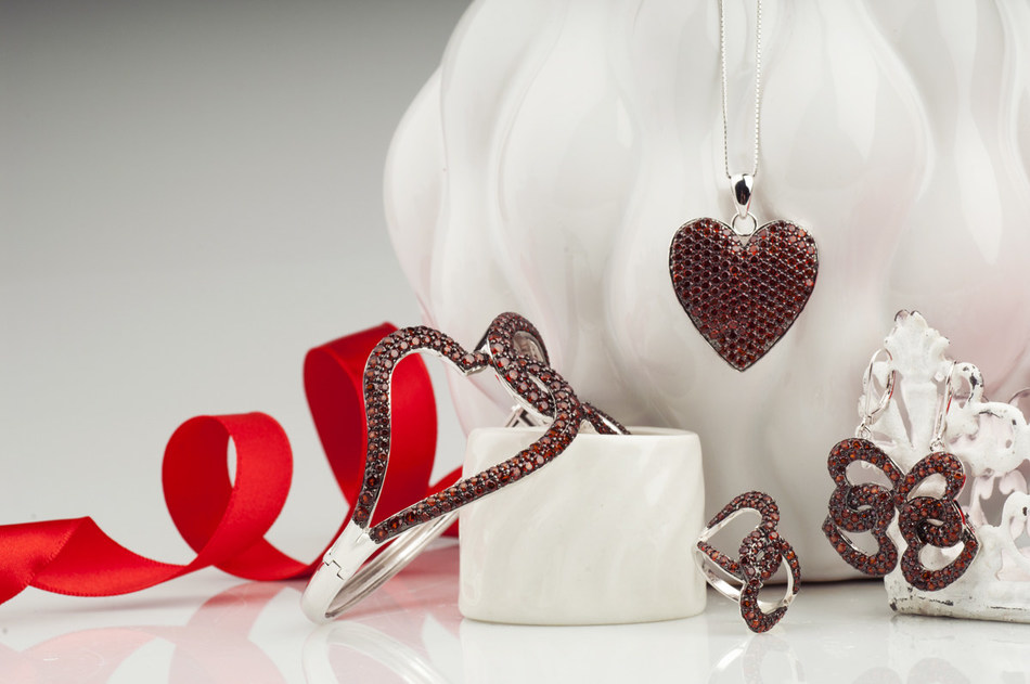 Jewelry Television (JTV) announced that it will once again join Go Red For Women in February to support the fight against heart disease with a special 'Love Your Heart' jewelry collection.