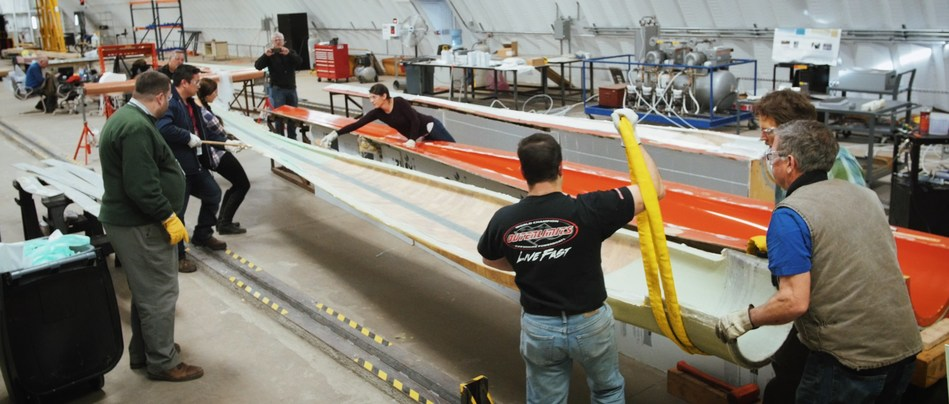 Eleven industry partners worked with the IACMI-The Composites Institute Wind Technology Area to assemble an innovative nine-meter wind blade