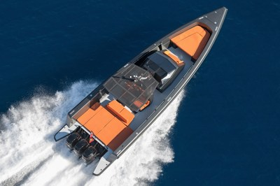 G Marine will display the newest addition, the Wallytender X (WTX) at Yachts Miami Beach in its booth at Entrance 5 New Yachts Docks A1-5 / A14-19 (across from the Fontainebleau Hotel). The Wallytender X is the latest version of the Wallytender, which debuted in 2001 opening up a new market. The boat was created for high-speed lovers with its triple Mercury 400 HP outboards, originally developed for racing, providing 60 knots, combining speed and comfort. The 45' boat has a 13' beam and many lu