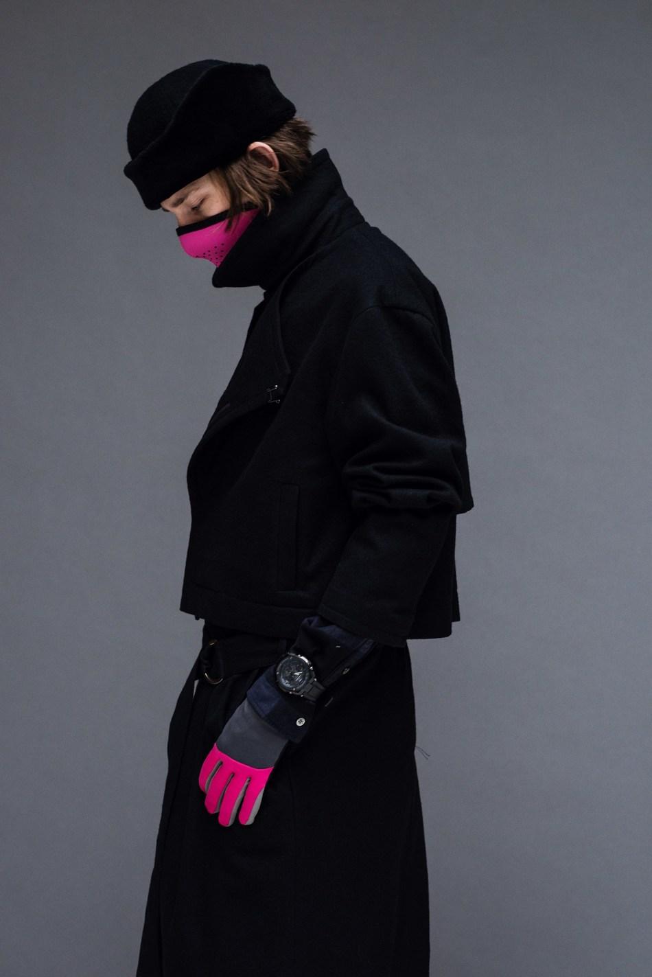 A model in Robert Geller's A/W17 NYFW show wears the G-SHOCK G-STEEL GSTS100G-1B (Photo Credit: Shawn Brackbill).