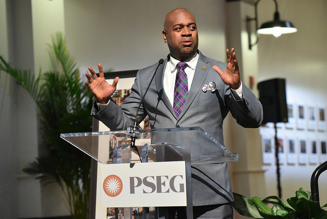 Newark Mayor Ras Baraka addresses hundreds of guests celebrating the Newark 100 People Project, a gift from the PSEG Foundation, that captures the spirit and heritage of Newark citizens. Complete project can also be viewed at 100people.org/Newark.