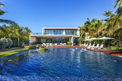 4395 Pine Tree Drive in Miami Beach