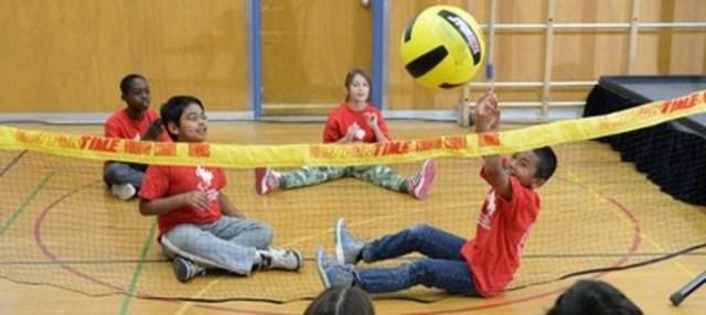 La semaine scolaire paralympique est une célébration annuelle d'un océan à l'autre des parasports et du mouvement paralympique qui fait la promotion de styles de vie saine et active pour tous les Canadiens. Photo: Comité paralympique canadien (Groupe CNW/Comité paralympique canadien (CPC))