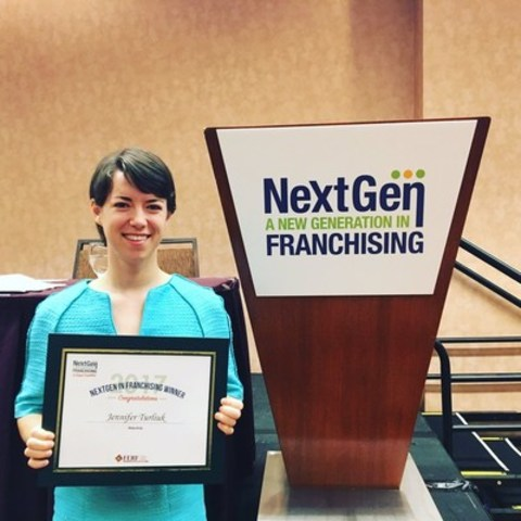 Jennifer Turliuk, CEO of MakerKids, is the first place Grand Prize winner in the 2017 NextGen in Franchising Global Competition (CNW Group/Canadian Franchise Association)
