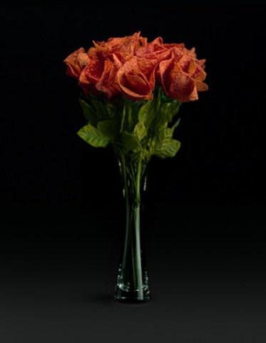 De retour à la demande générale, les roses Doritos® Ketchup sont la meilleure façon de déclarer votre amour avec audace! (Groupe CNW/Doritos)