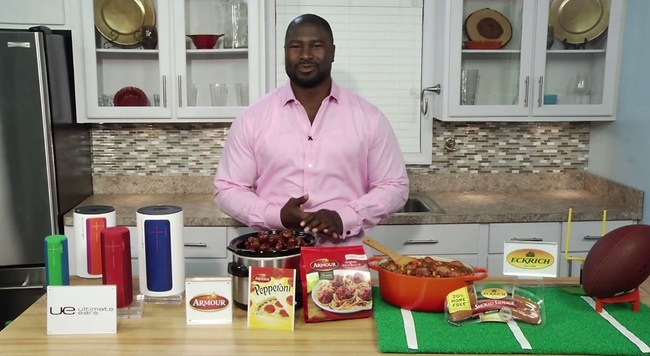 Ovie gave expert tips on throwing the perfect Big Game party!