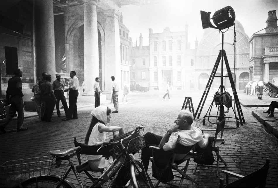 THE ART OF BEHIND THE SCENES (C) Bob Willoughby / Magnum