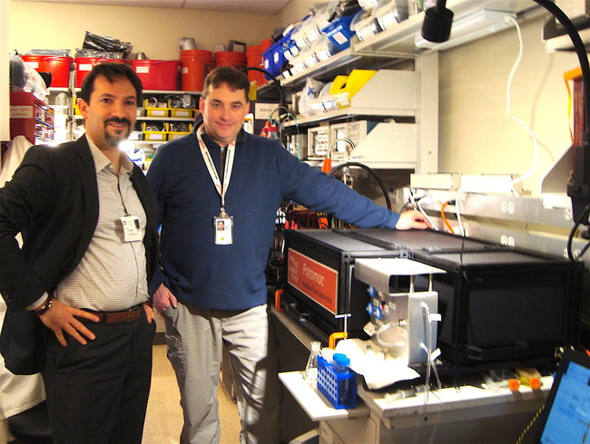 Drs. Giacomo Vacca (Kinetic River) and William Telford (NCI) during the Potomac installation at NCI.
