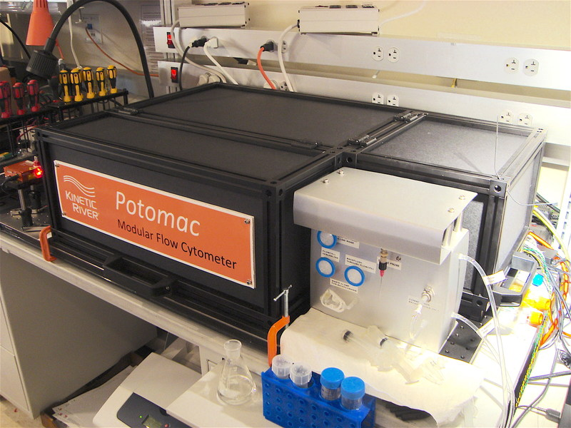 The custom Potomac modular flow cytometer installed at NCI. This system incorporates 2 lasers and 7 detectors.