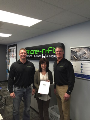Jill Solberg, center, joins Phone-n-Fix as company's first franchisee in Sioux Falls.