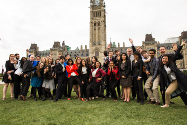 EWB Young Canadian Members at Parliament Hill (CNW Group/Engineers Without Borders Canada)