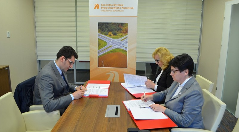 Poland's General Directorate for National Roads and Highways awarded CH2M a contract for the feasibility study for the expansion of National Road No.8. (Photo courtesy of GDDKiA)