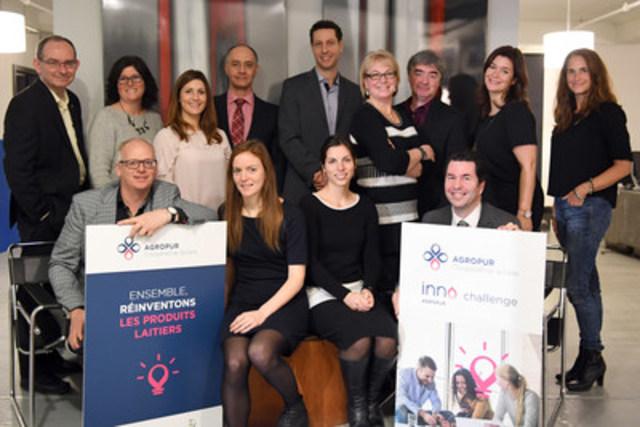 (Left to right) front row: Alain Cadoret (AG-Bio Centre); Amélie Lépine, Anne Maltais and Bruno Ponsard (ITEGA); Back row: Michel Pouliot, Nathalie Vigeant and Marie-Josée Létourneau (Agropur); Martin Macouzet (EVL); Patrick Vespa (Enlighten Consulting Services); Nathalie Miller and Marc Purcell (Technologies A3P); Caroline Miron (Agropur); Anne-Marie Leclair (LG2) (CNW Group/Agropur)