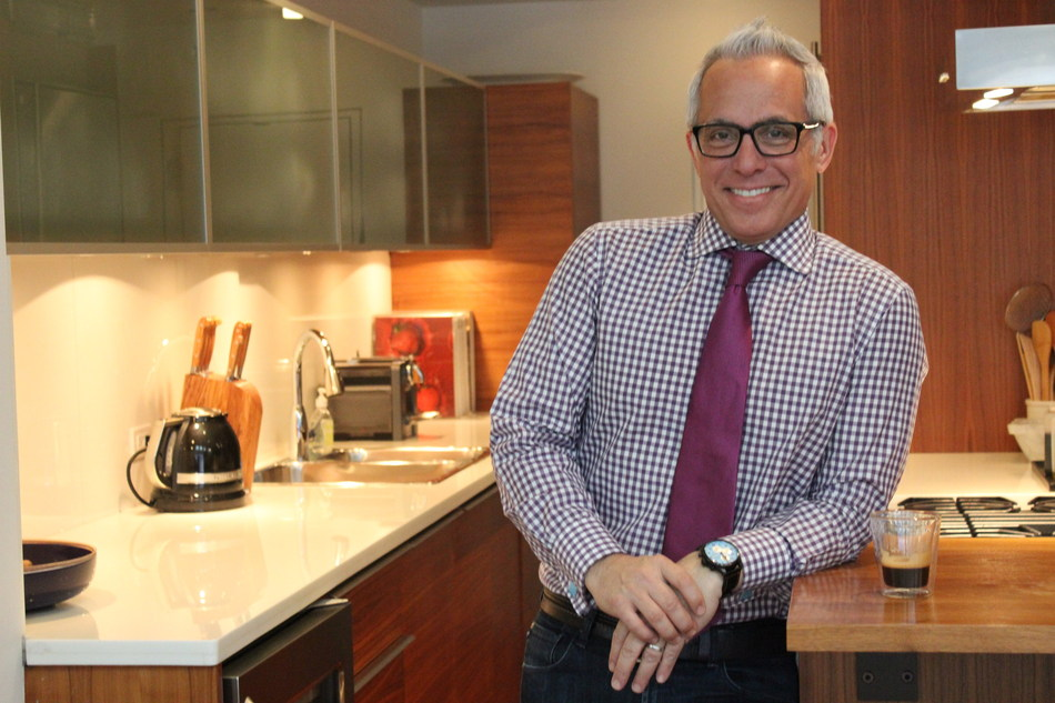 Geoffrey Zakarian, American Iron Chef, restaurateur, television personality, author and culinary consultant will kick off the 2017 New England Food Show with introduction by Carla Lalli Music, Food Director at Bon Appetit.