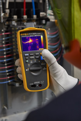 The 279 FC Thermal Multimeter is the first test tool to integrate a full-featured true RMS digital multimeter with a thermal camera in one device to speed troubleshooting.