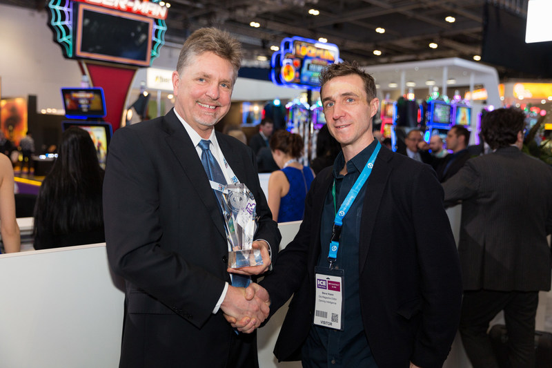 Jim Kennedy, Group Chief Executive of Lottery for Scientific Games, accepts 2017 Lottery Supplier of the Year award