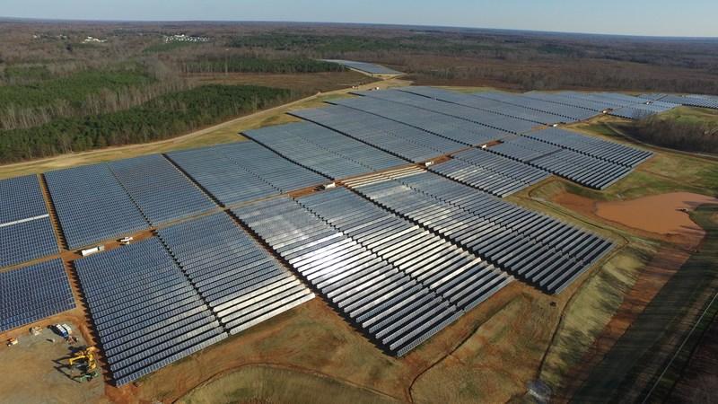 Powhattan Solar, 71,820 panels (17MW)