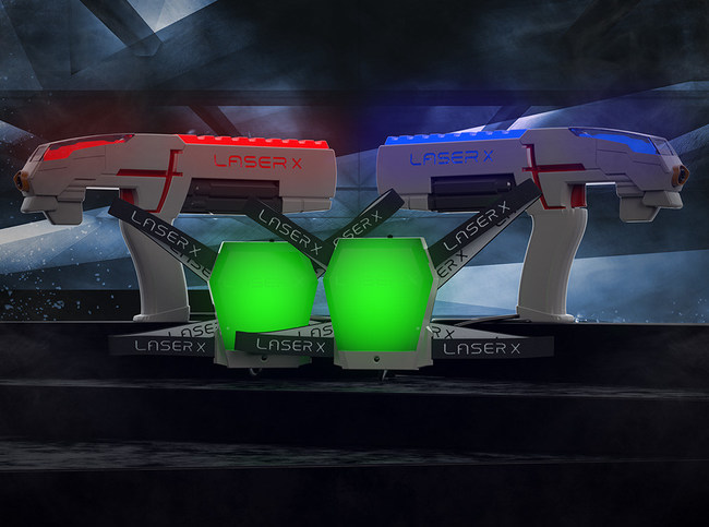 Laser X features sophisticated electronics and optics that give players pinpoint blasting accuracy up to 200 feet.