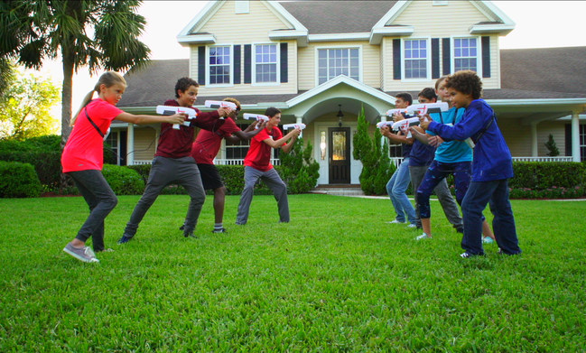 All Laser X sets work together, so games can have as few as two players - or the whole neighborhood can play!