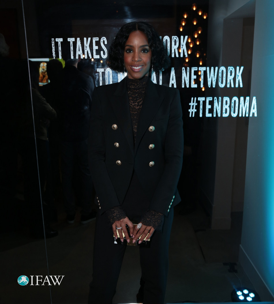 Singer Kelly Rowland rallies to support orphan elephant rescue at IFAW event in Los Angeles, CA on February 9, 2017. (c) Alex J. Berliner/ABImages