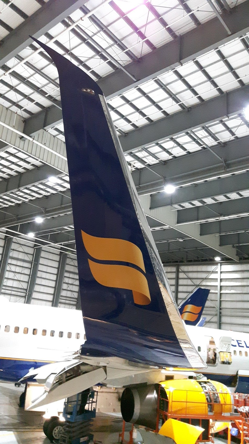 Icelandair 757-200 Scimitar Blended Winglet