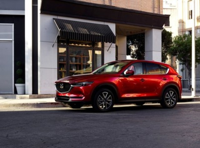 Redesigned 2017 Mazda CX-5 (CNW Group/Mazda Canada Inc.)