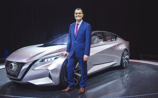 Joni Paiva, president of Nissan Canada Inc. with the Nissan Vmotion 2.0 Concept at the 2017 Canadian International Auto Show (CNW Group/Nissan Canada Inc.)