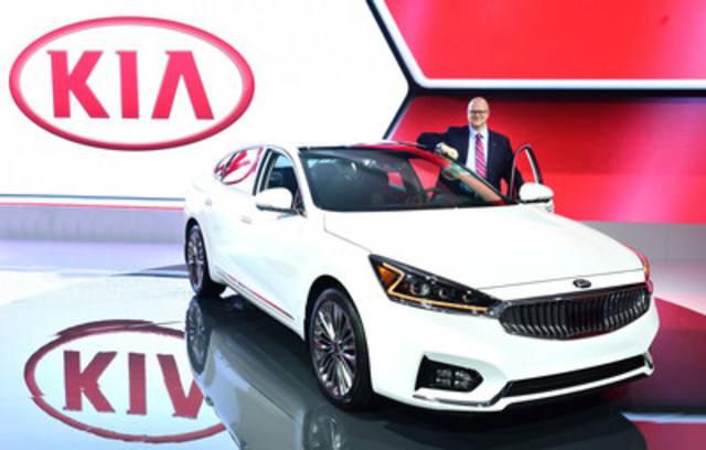 Vice president and COO of Kia Canada, Ted Lancaster, stands with the all-new 2017 Kia Cadenza at the Canadian International Auto Show (CNW Group/KIA Canada Inc.)
