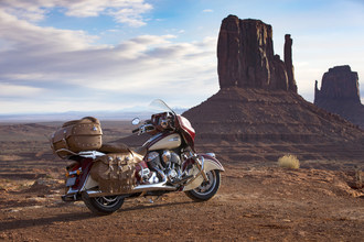 Indian Motorcycle's 2017 Roadmaster Classic Blends Vintage Styling With Modern Touring Amenities