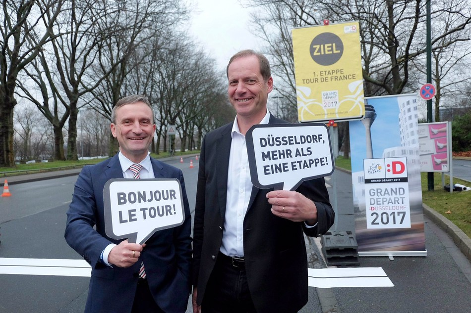 Thomas Geisel, Mayor of Dusseldorf (left) and Tour de France-Director Christian Prudhomme (right). Stadt Dusseldorf/M. Gstettenbauer (PRNewsFoto/City of Duesseldorf)