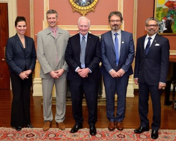 From left to right: Kirsty Duncan, Minister of Science, Frederic Grandmont from ABB, Governor General David Johnston, Laurent Drissen from Université Laval and Mario Pinto, president of NSERC. Photo credit : Sgt Johanie Maheu, Rideau Hall. ©Her Majesty The Queen in Right of Canada represented by the Office of the Secretary to the Governor General, 2017. (CNW Group/ABB inc.)