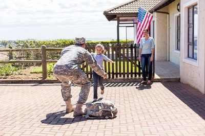 Arise, a strong supporter of the military and their families, to welcome home soldiers of the Florida Army National Guard
