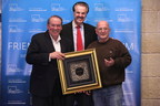 Mike Huckabee receives Friend of Zion Award for his support for Israel