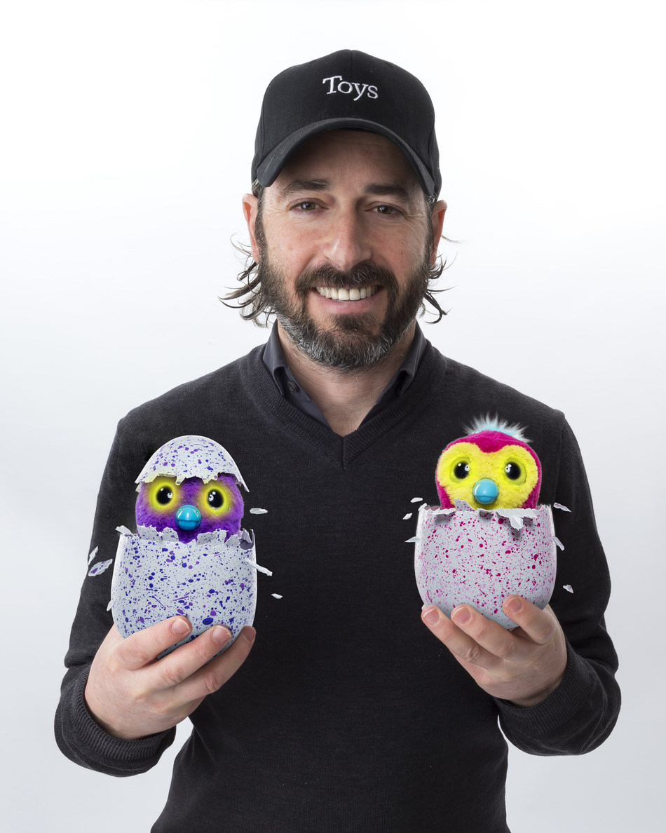 Ronnen Harary, co-founder and Co-Chief Executive Officer of Spin Master Corp, shows off award-winning Hatchimals (PRNewsFoto/Spin Master)