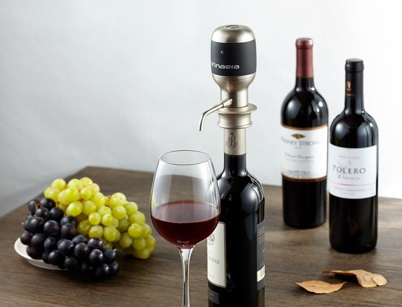 Wake up Your Wine with Vinaera, The Worlds first Electronic Wine Aerator. Taking wine tasting to a whole new level. (PRNewsFoto/Vinaera)