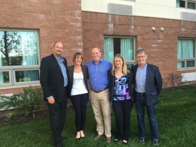 (From left): Rae Fehr, Calgary Humane Society Resource Development; Carrie Fritz, CHS Executive Director; Rod Cunniam, Petsecure Divisional Vice President; Jennifer Dooley, Petsecure Territory Manager; Dr. Bernhard Pukay, Petsecure Veterinary Advisory Board Chair. (CNW Group/Petsecure)