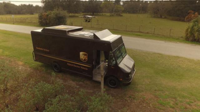 Le lundi 20& février, UPS a mis à l'essai un système de livraison résidentielle par drone décollant du toit d'un véhicule à Tampa, en Floride. (Groupe CNW/UPS Canada Ltee.)