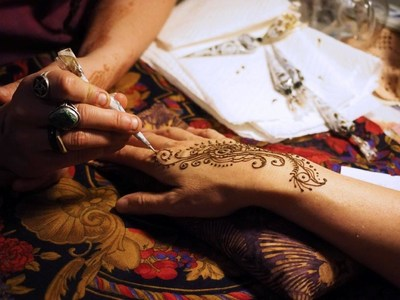 There's lots of fun to be had at the Bollywood Club Invasion event, including hand henna tattoos, delicious refreshments, a great clothing bazaar, and more