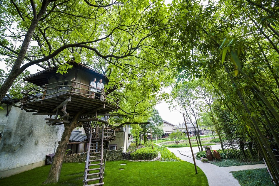 Wu village: a premium resort for villagers to escape from bustling city life (PRNewsFoto/Wuzhen Tourism Co. Ltd)