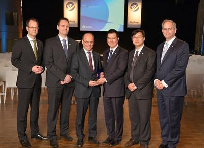 Yanfeng Automotive Interiors homenajea a sus proveedores en Europa