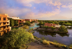 Sheraton Grand at Wild Horse Pass Receives High Honors from Forbes Travel Guide