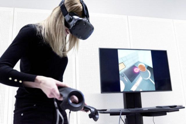 Le magasin IKEA d'Etobicoke invite sa clientèle à confectionner des crêpes dans une cuisine en réalité virtuelle, dans le cadre d'un projet pilote. (Groupe CNW/IKEA Canada)