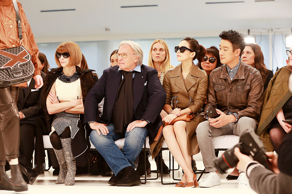 Tong Dawei visited show with Zhang Ziyi, Diego Della Valle and Anna Wintour (PRNewsFoto/Beijing T & G Entertainment Co.)