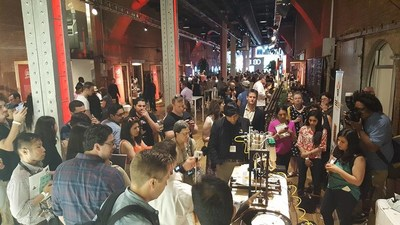 """BeeHex draws audiences at Food Loves Tech in New York, New York. """"It's the aromas that drew us over,"""" said one spectator after grabbing a sample. BeeHex has since activated with Edible magazine, VaynerMedia, General Electric and The Ohio State University."""