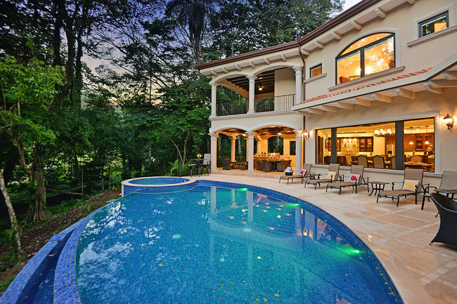 Brand New Luxury Home with Lush Tropical Rain Forest view and private pool!