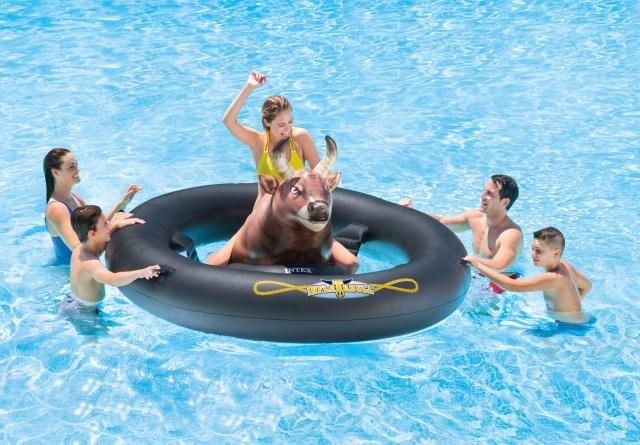 New Intex INFLATABULL(TM) Rodeo Bull Ride On Float