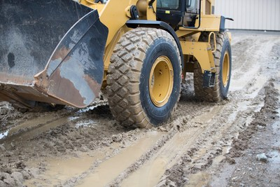 Firestone VersaBuilt tires are designed to provide solid traction in a variety of conditions, from muddy to rocky surfaces.